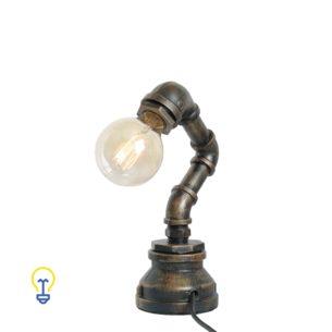 Industriële waterleiding tafellamp gemaakt van waterleidingen. Een stoere steampunk lamp voor industriële interieurs in barren, winkels en restaurants.