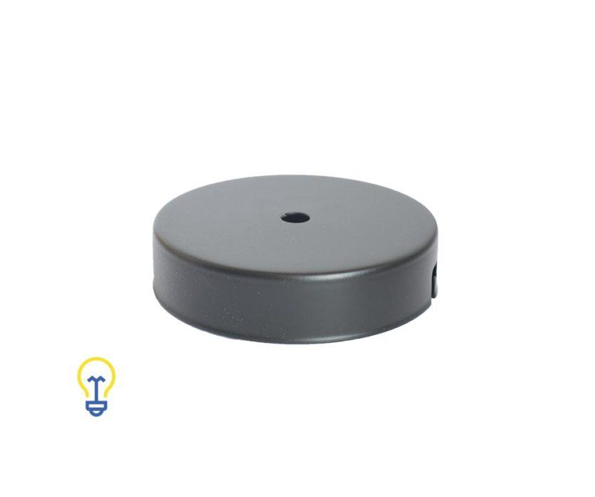 Plafondkap zwart plat. Deze platte cilindervormige plafondkap is zwart en heeft 1 gat.Afdekplaat compleet geleverd met montagebeugel en trekontlasters.