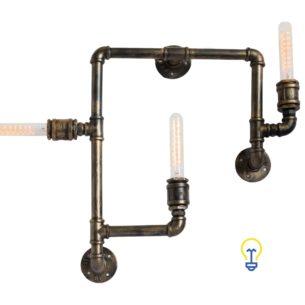 Industriële lamp gemaakt van waterleidingen. Een stoere steampunk wandlamp voor industriële interieurs in barren, winkels en restaurants en oude fabriekshallen.