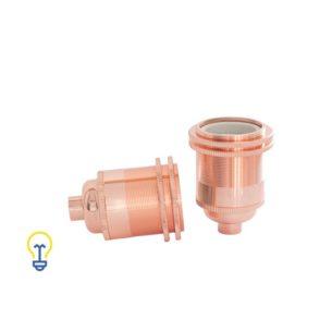 Retro fitting van koper. Een koperen Edison lamphouder met een E27 grote fitting in retro vintage stijl, daarom zeer geschikt voor filament bulbs